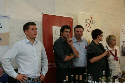 Wein-in-der-Burg-005
