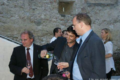 Wein-in-der-Burg-013