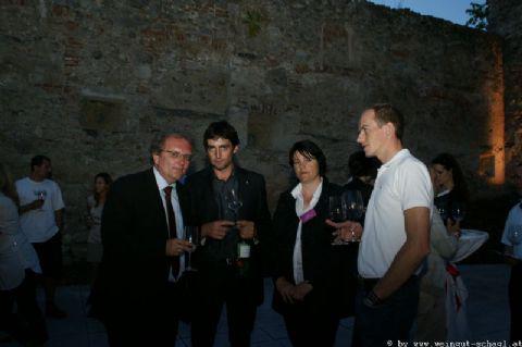 Wein-in-der-Burg-014