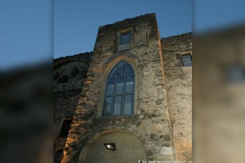 Wein-in-der-Burg-021
